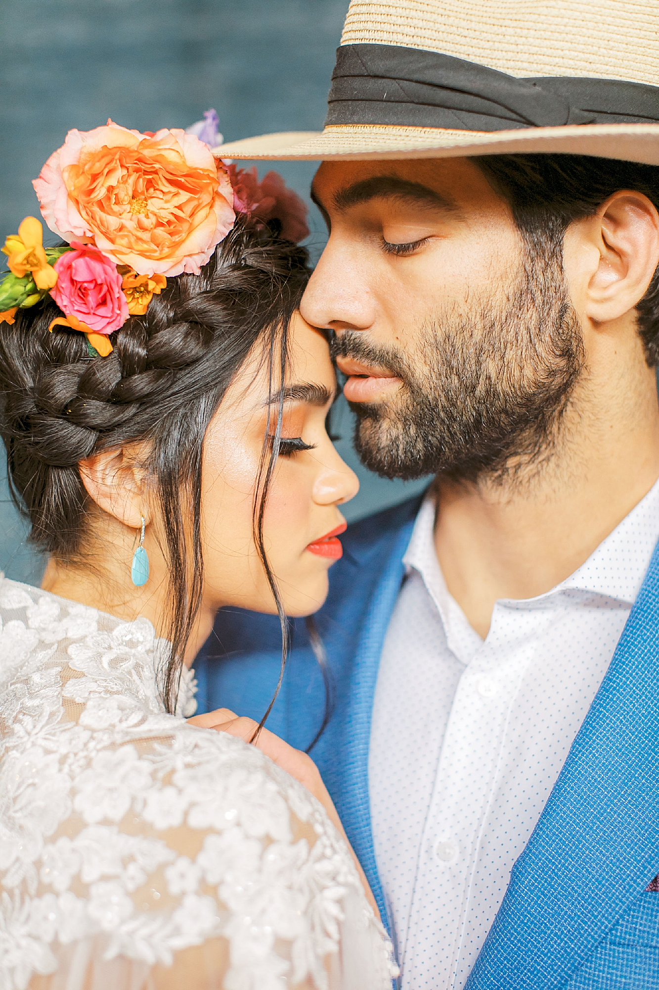 Vibrant and Colorful Frida Kahlo Inspired Wedding Photography by Magdalena Studios 0046