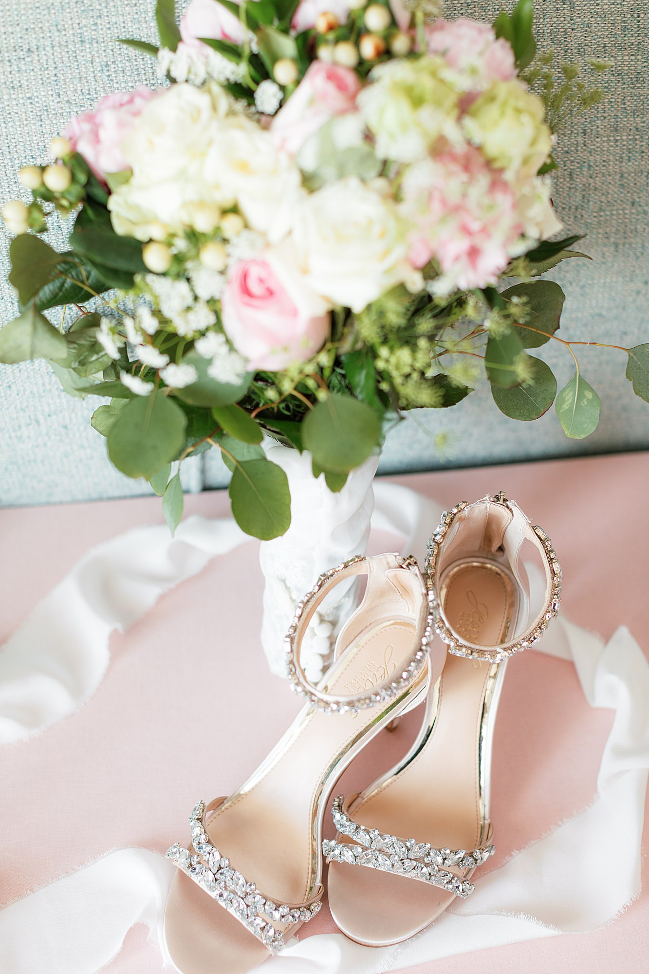 Natural and Vibrant Wedding Photography at the Reeds in Stone Harbor NJ by Magdalena Studios 0004