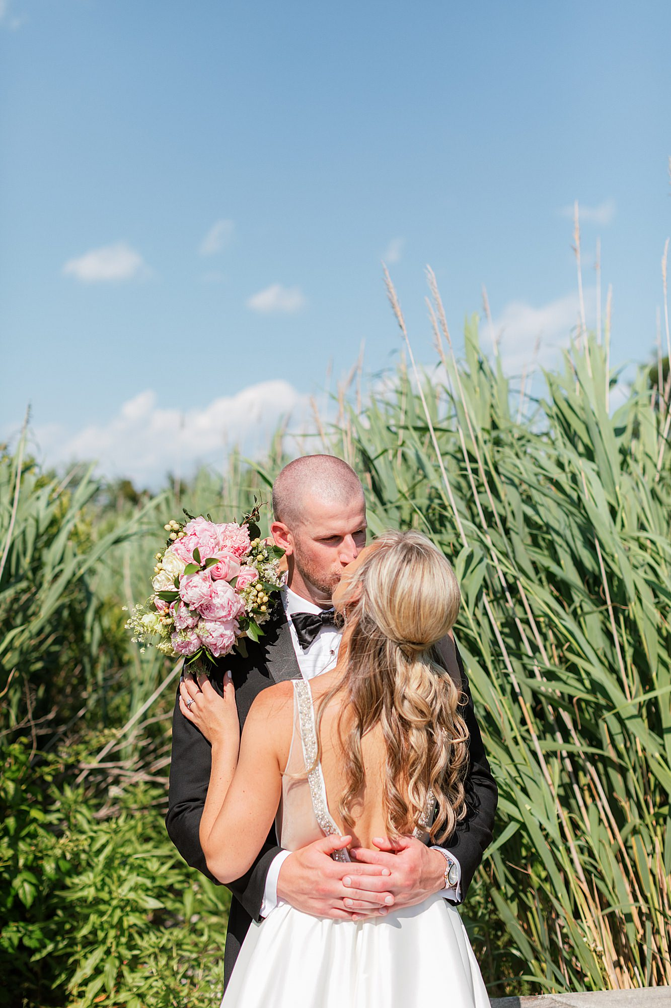 Natural and Vibrant Wedding Photography at the Reeds in Stone Harbor NJ by Magdalena Studios 0043