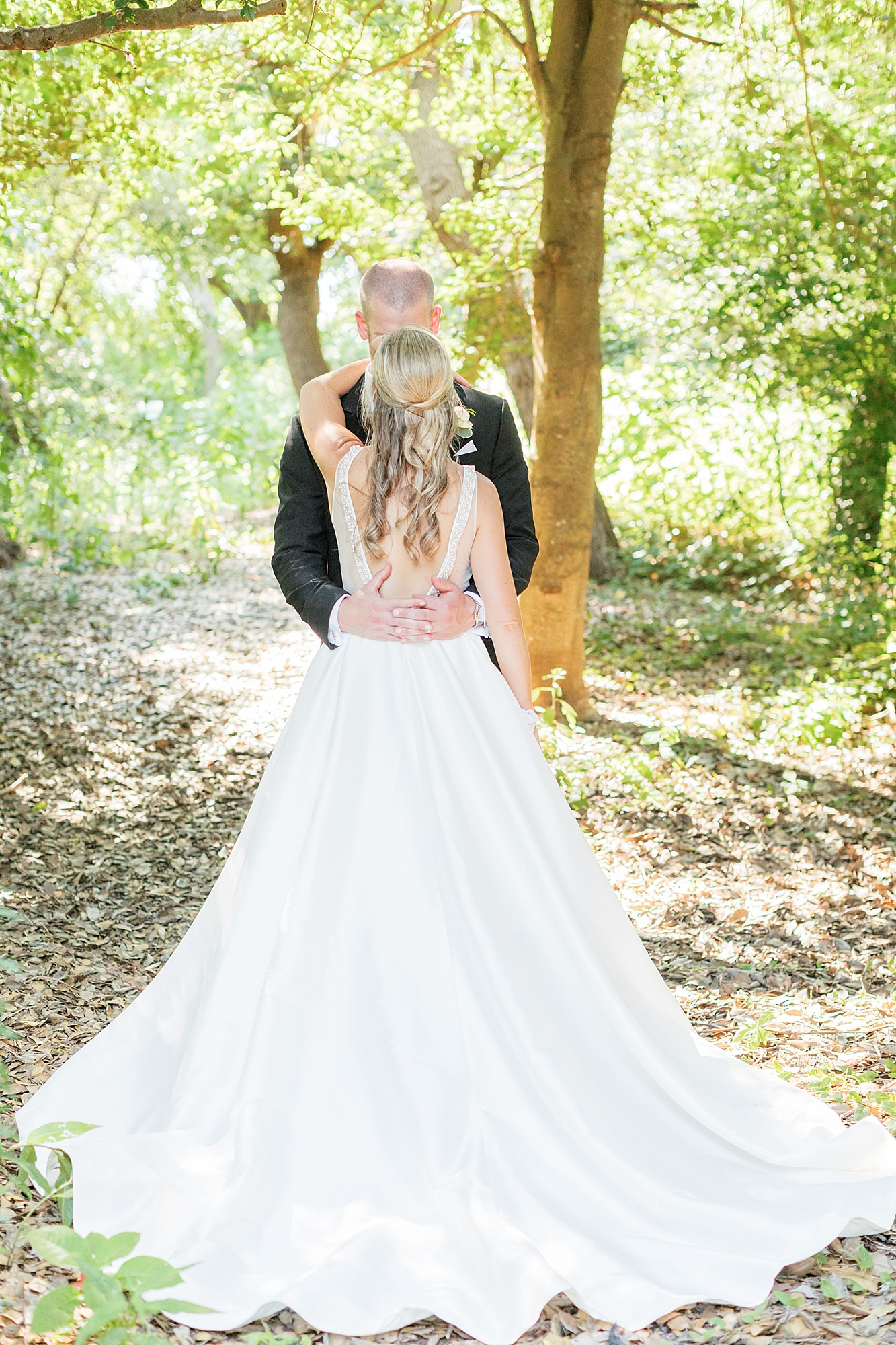 Natural and Vibrant Wedding Photography at the Reeds in Stone Harbor NJ by Magdalena Studios 0045