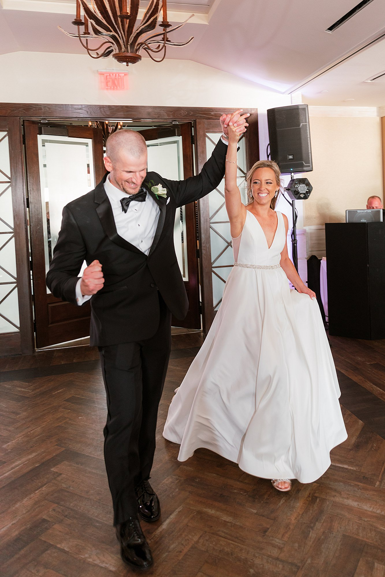 Natural and Vibrant Wedding Photography at the Reeds in Stone Harbor NJ by Magdalena Studios 0056