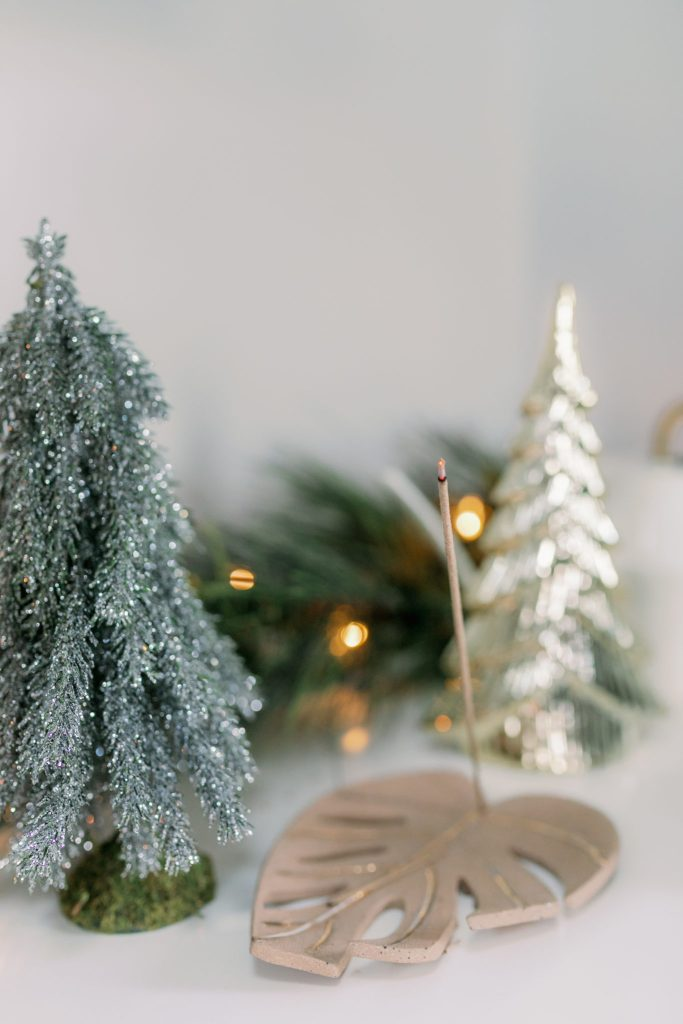 Modern Minimalist Holiday Home Decor Ideas Magdalena Studios The Fisher Bungalow29 scaled