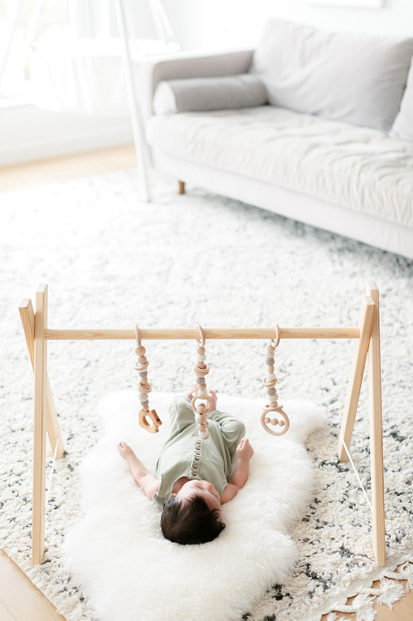 Lifestyle Home Newborn Session Family Portraits NYC by Magdalena Studios8