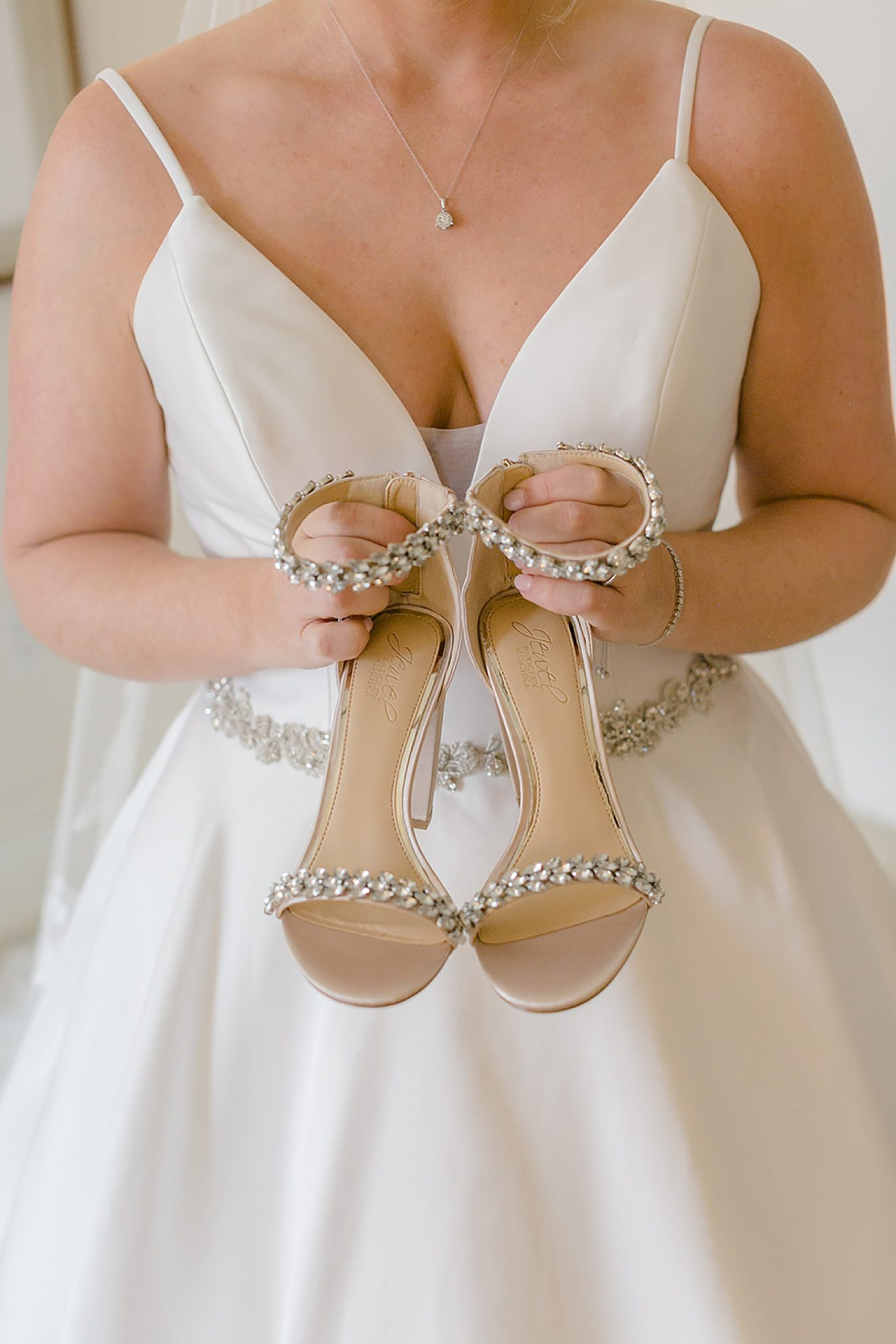 Linwood Country Club Summer Wedding Photography Studio by Magdalena Studios Jenn Kyle 0017 scaled