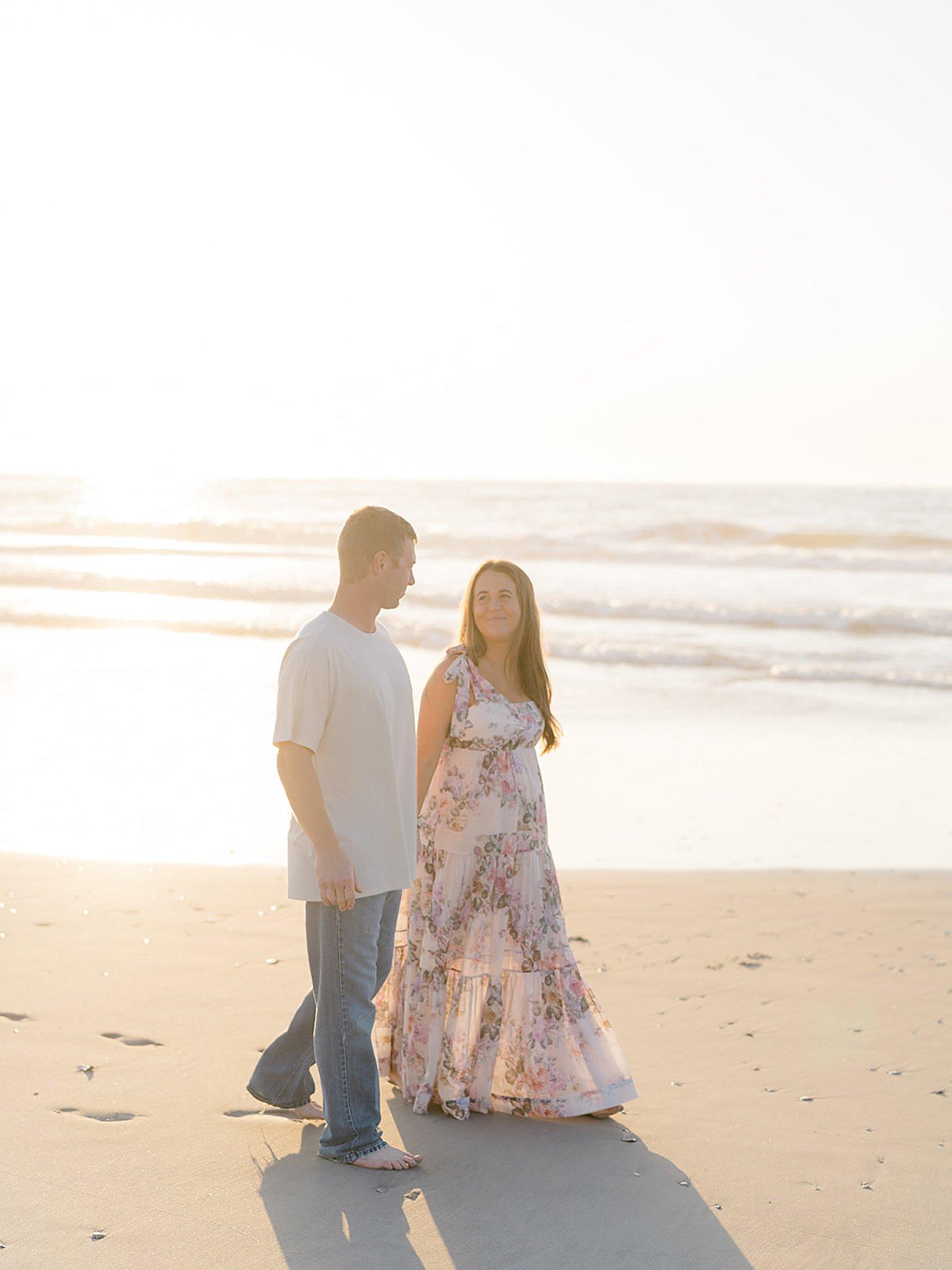 Ocean City NJ Gender Reveal Pregnancy Photography by Magdalena Studios 0016 1