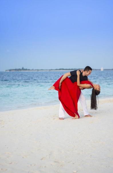 Танц на плажа на Малдивите