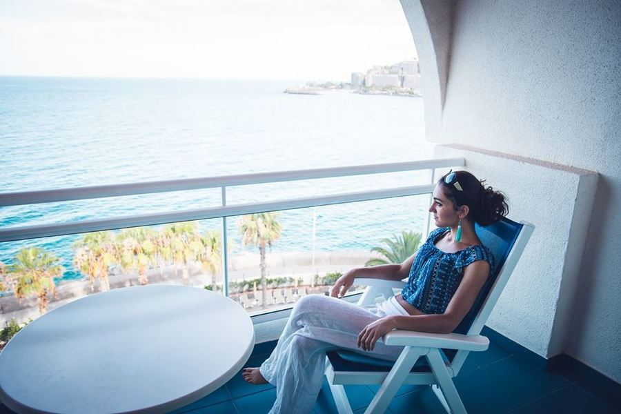 Гледка от терасата на хотел Servatur Green Beach.