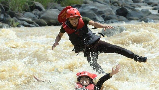 Seru-Seruan Arung jeram di Sungai Progo