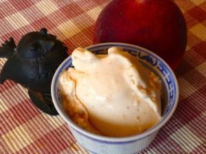 pfirsich-yoghurt-eis