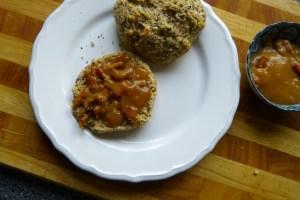 joghurtbroetchen, karamellaufstrich