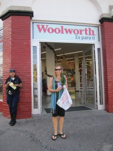 Achat de sapin chez Woolworth