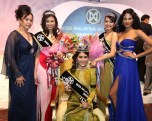 Maggie Loo with Chloe Chen (Winner, Miss Malaysia World 2011), Pamela Tam (1st Runner-up, MMW2011), Chua Yee See (2nd Runner-up, MMW2011) and Thanuja Ananthan (MMW2009)