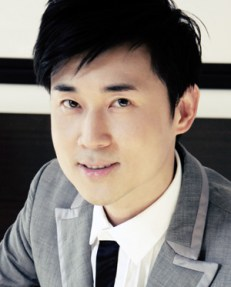 CARVEN ONG, Asia's Top Fashion Designer 2009, Founder of Carven Ong Couture & Wedding Specialist