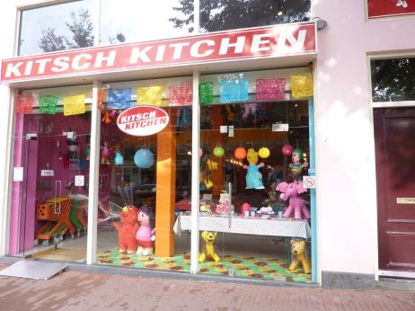 Kitsch Kitchen 3