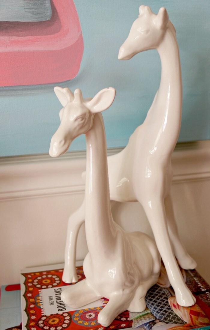 white-giraffe-accessories