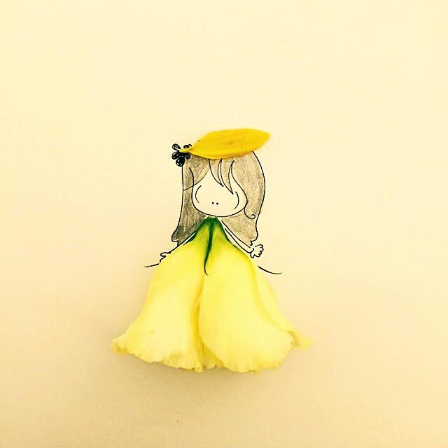 Vestita di fiori con cappelli di petali