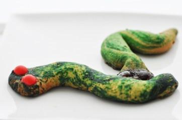 Il serpente: http://gikitchen.wordpress.com/2010/10/30/happy-halloween/