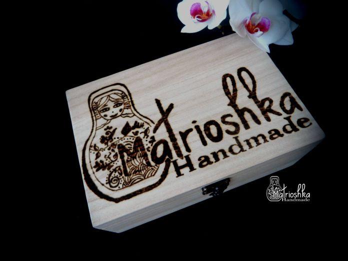 Cutie din lemn personalizată