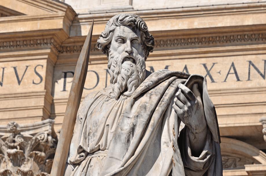 Der Apostel Paulus vor dem Petersdom in Rom
