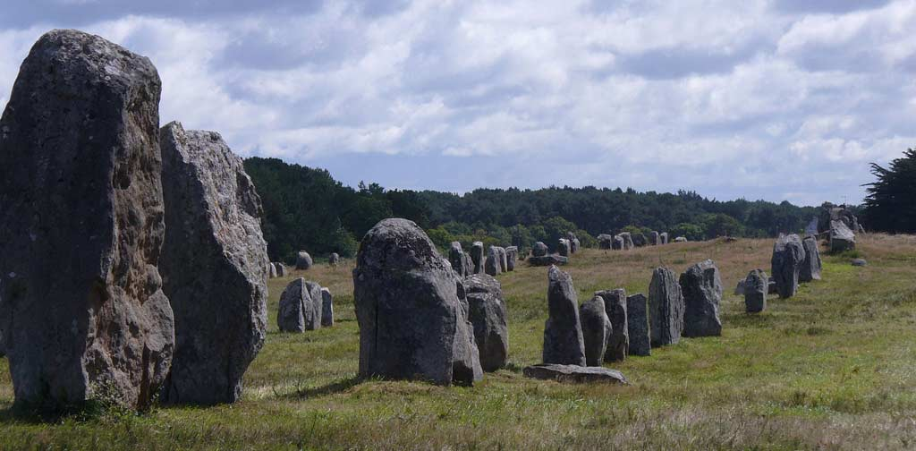 Menhire bis zu 4 Meter hoch - Le Ménec Carnac Bretagne