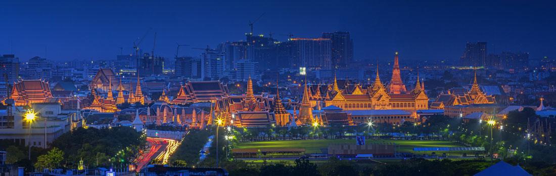 Magical Places - Grand Palace Bangkok - Easter Island - Stonehenge - Hagia Sophia - Notre-Dame - Kaaba - Pauluskirche - Petersdom - The great Pyramids