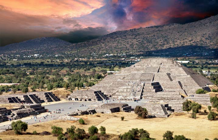 Teotihuacan - Pyramid of the moon