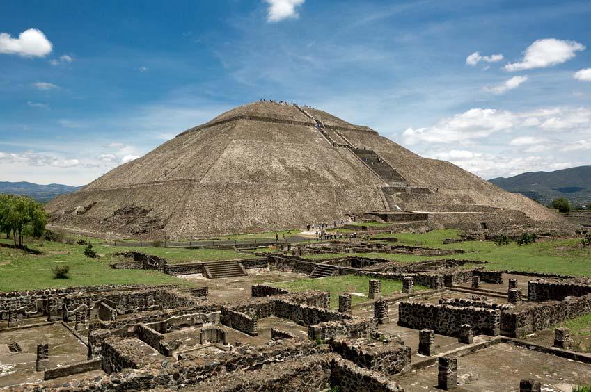 Die Sonnenpyramide von Teotihuacán - Ruinenstätte in Mexiko