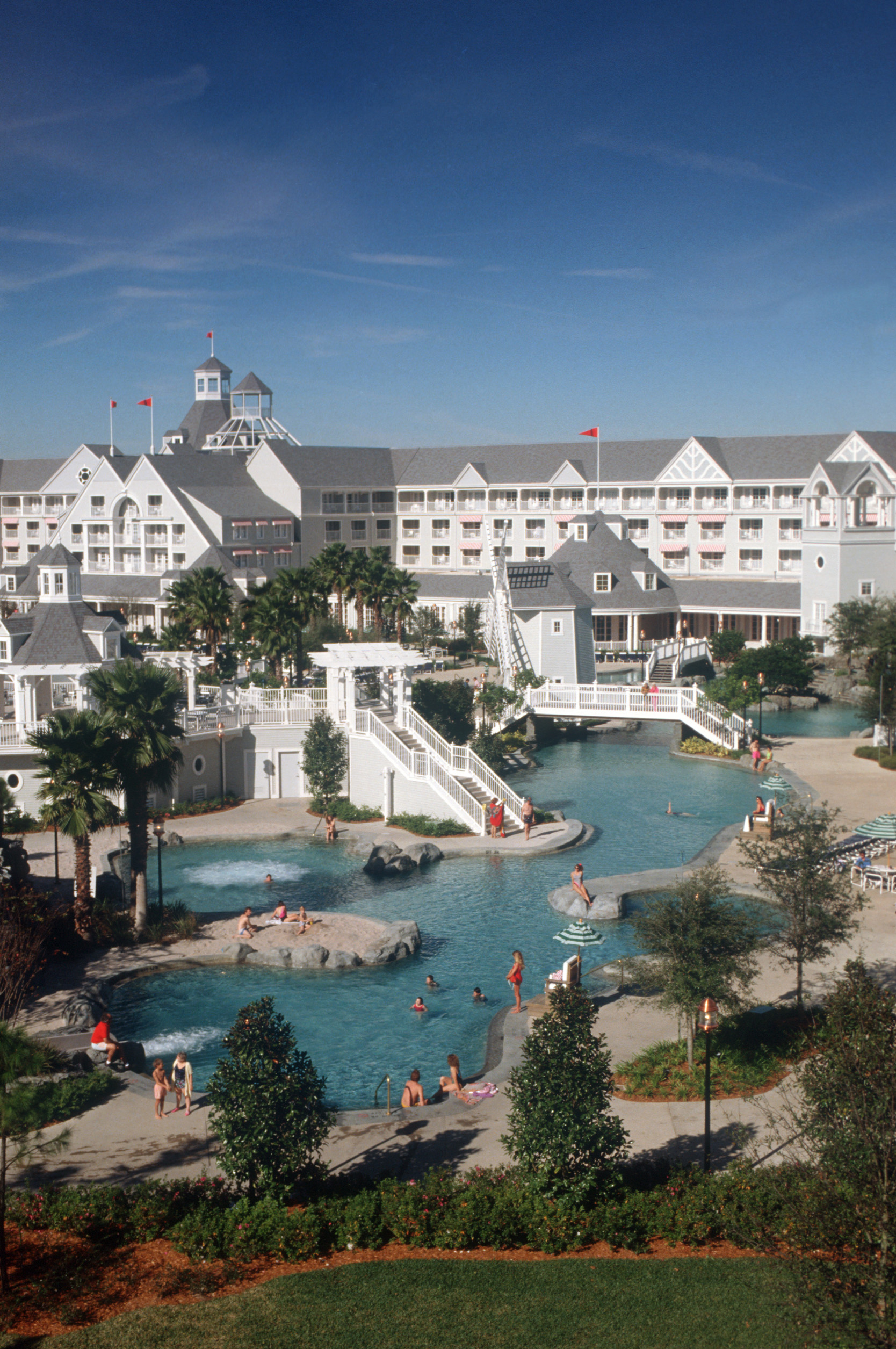 Disneys Yacht Club Resort  Magical DIStractions