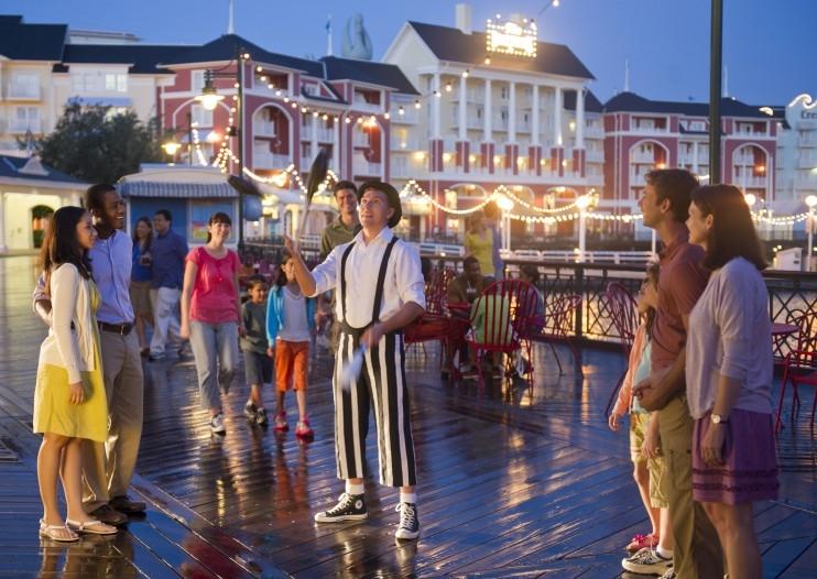 Street performer, Image courtesy of Disney Parks