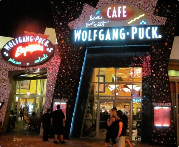 wolfgang-puck-downtown-disney-600x494