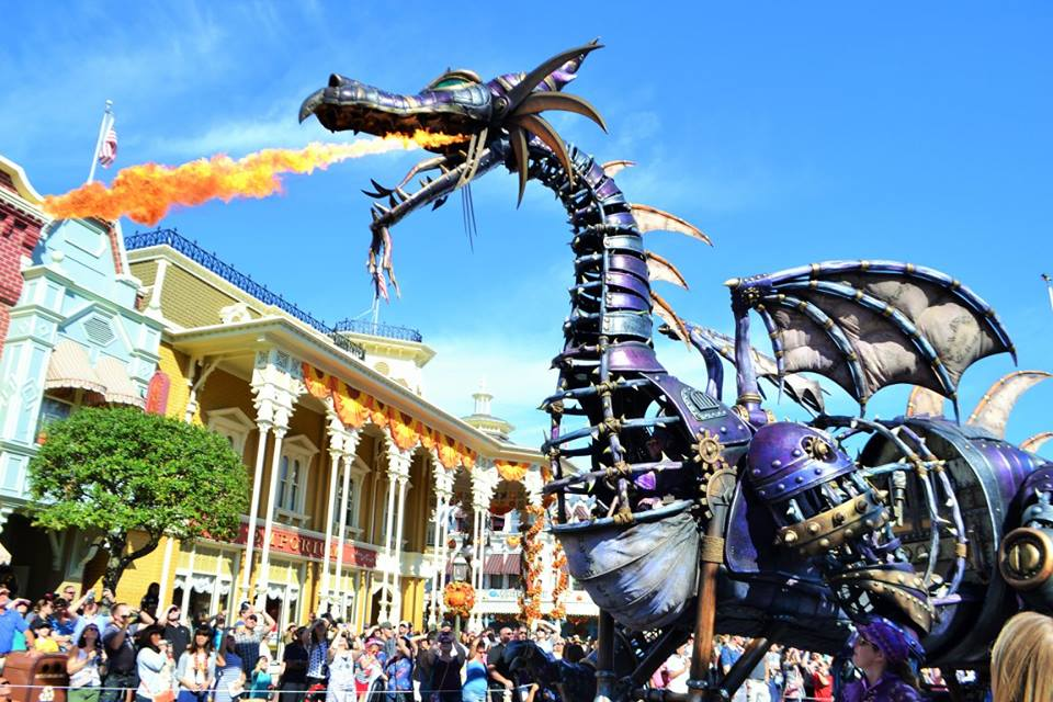 Festival of Fantasy, Fire breathing dragon float