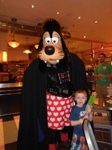 Photo with Darth Vadar Goofy at Jedi Mickey's Star Wars Dine at H&V