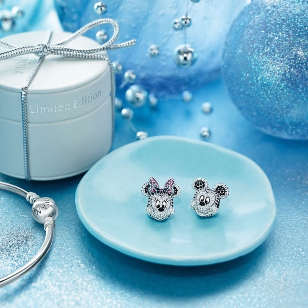 Pandora Jewelry-Photo Credit Disney Parks Blog