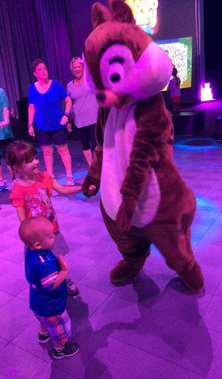 Chip dancing with kids in Club Disney
