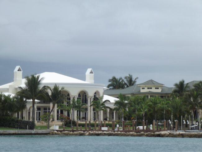 Nassau Bahamas hook up jeugdgroep discussievragen over dating
