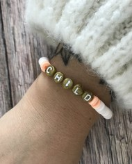 bracelet-surfeur-heishi-moonchild-blanc-saumon-2