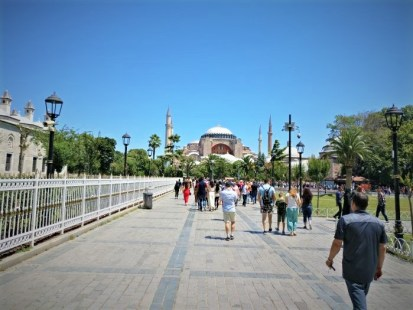 Best places to visit in Istanbul - Sultanahmet square