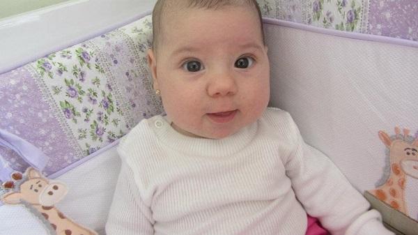furar orelha bebê