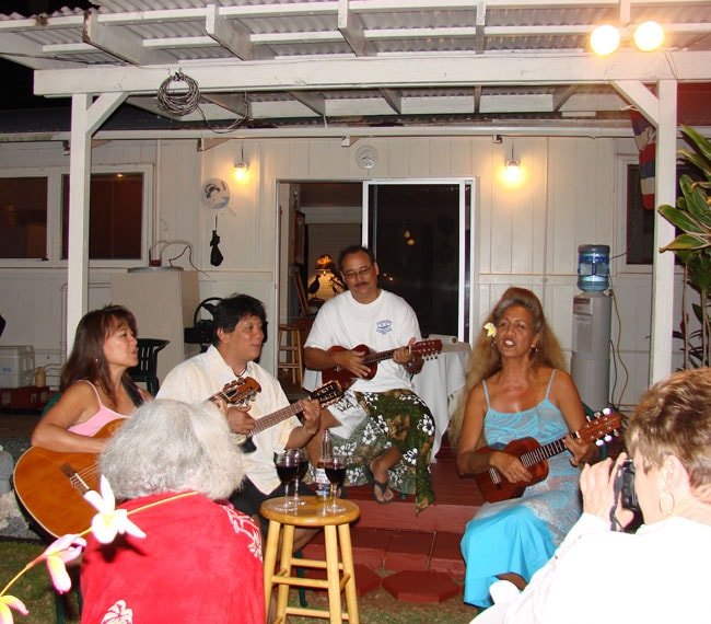 Dee, Rance, Roger and Makalapua from Ka'anapali Beach Resort entertain us with music