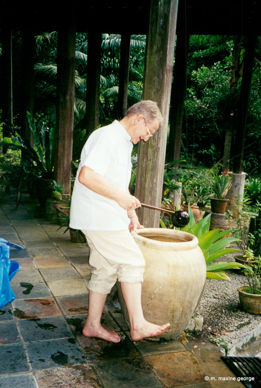 It is customary to wash your feet before entering the house. Rudinara Malaysia