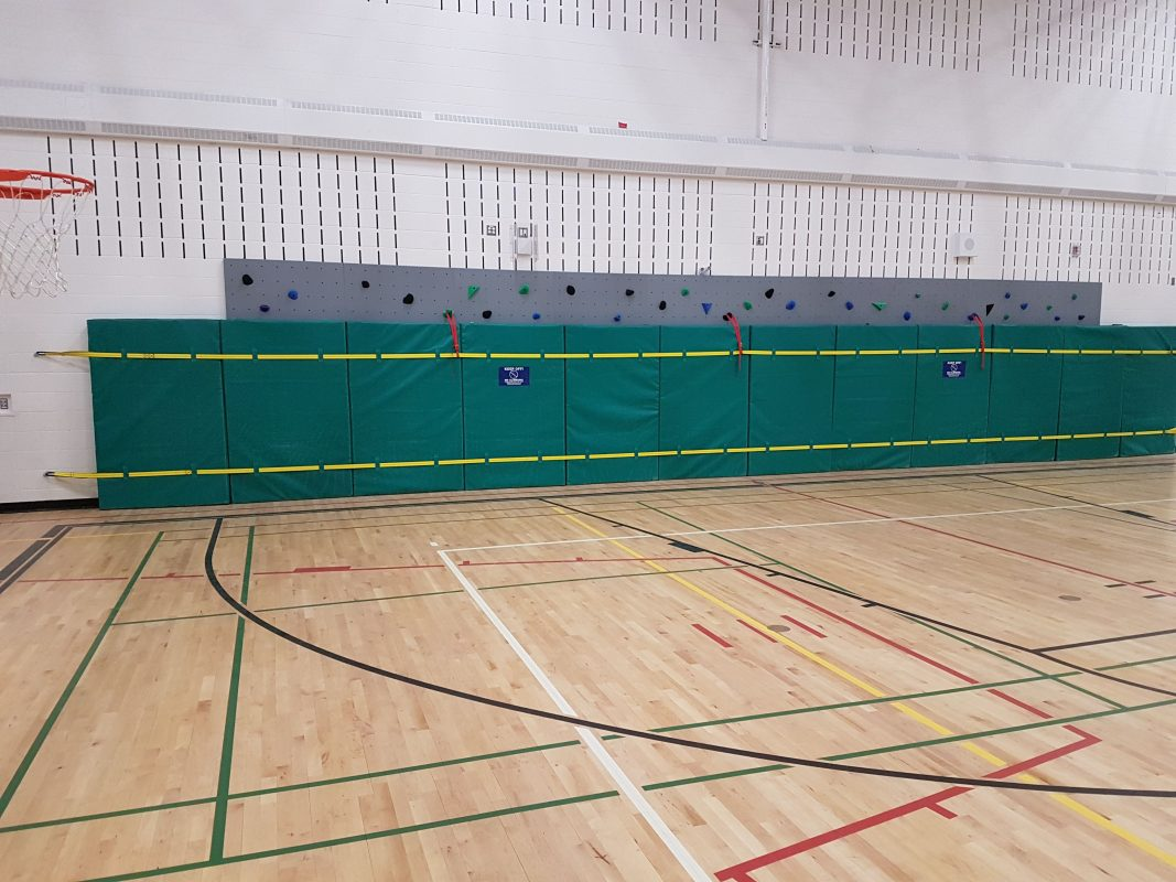Auburn Bay School - 2019 - Mat closure system