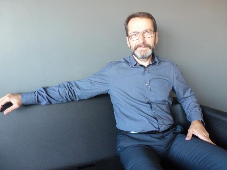 Philippe-Nours-controleur-gestion-hypermarche-Bordeaux-fonde-lassociation-Magikhopital-premier-Fondation-Auchan_0_730_547