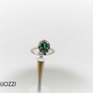 anello smeraldo classico