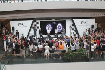 Hamilton et Rosberg présentent leur montre IWC