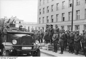 Imagini pentru parada militară sovieto german aă de la brest litovsk  1939  photosphotos