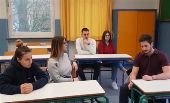 Κλείνουν σχολεία Ελλήνων μαθητών