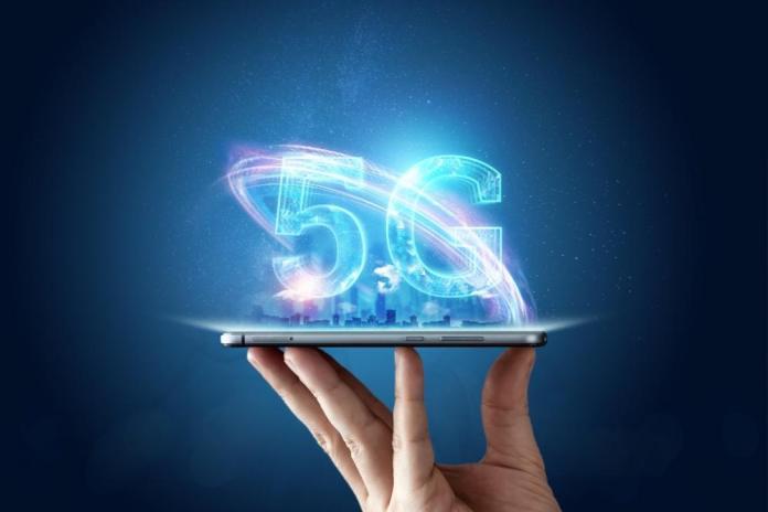 Έπεσαν οι υπογραφές για τα δίκτυα 5G στην Ελλάδα