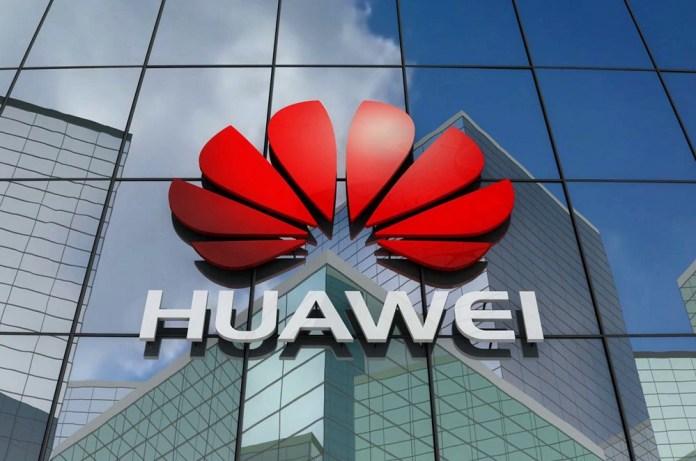Huawei: Διέψευσε ότι πουλάει το τμήμα Smartphone