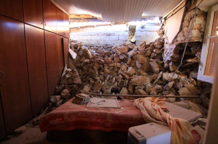 Σεισμός Ελασσόνα: Αυτοψίες σε κτίρια όλο το βράδυ κάνουν κλιμάκια της ΕΜΑΚ