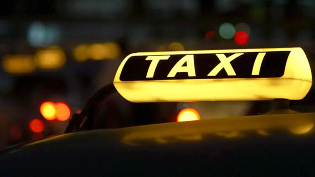 Ζητούν αύξηση των επιβατών στα ταξί